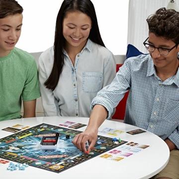 Hasbro Monopoly Banking Ultra - Klassiker der Brettspiele mit elektronischem Kartenleser, Familienspiel ab 8 Jahren - 3